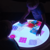 harlekino-jeu-visuel-enfant-table-lumineuse-reggio