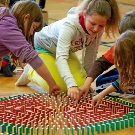 dominos-pestas-500-jouet-en-bois-cooperatif