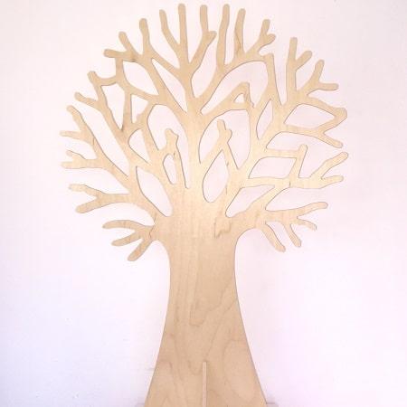 Grand arbre en bois   Au son des grillons