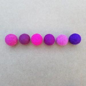 assortiment-boules-laine-feutree-rose-violet