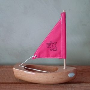 bateau-bois-tirot-coque-nature-voile-rose