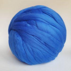 laine-merinos-ruban-peigné-bleu-207