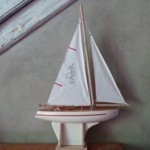 voilier-tirot-modele-702-blanc