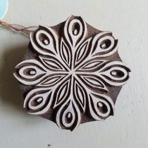 tampon-artisanal-bois-blockwallah-mandala-enfant-art