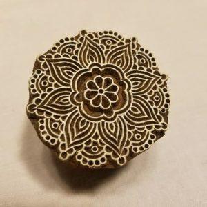 tampon-blockwallah-artisanal-bois-mandala-dessin