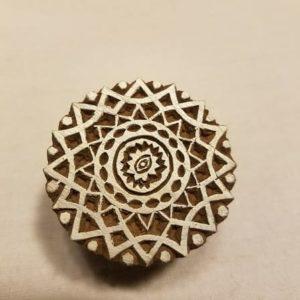 tampon-blockwallah-artisanal-bois-mandala-pate-a-modeler