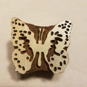 tampon-artisanal-bois-papillon