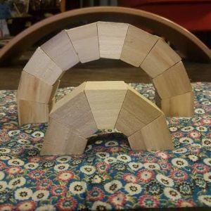 jeu-construction-bois-arches-coupoles-montessori-fabrication-française-stem