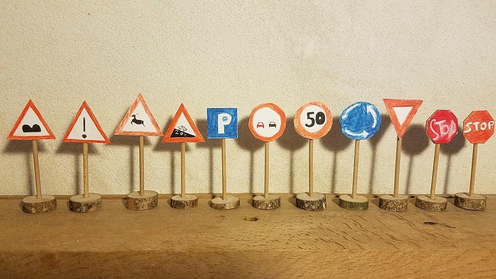 diy-panneaux-routier-jouet-bois-carton-au-son-des-grillons