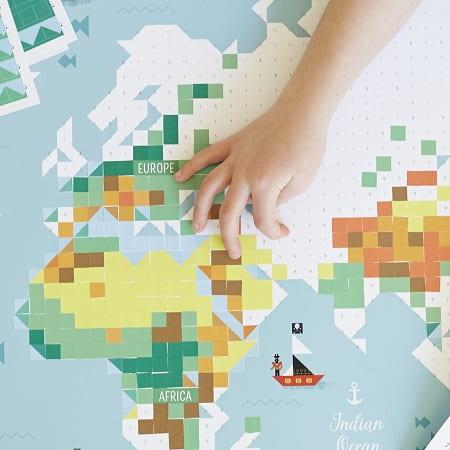 poppik-gommettes-stockers-carte-du-monde-ief