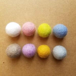 assortiment-boules-laine-feutrée-pastels