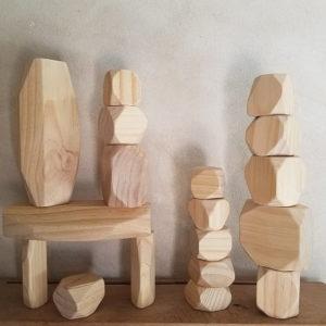 jouet-gros-rochers-de-construction-en-bois-bebe-boulder