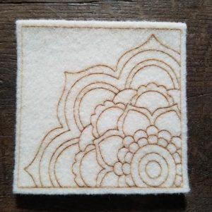 mandalaine-activite-creative-laine-feutrage-enfant-waldorf-coloriage-therapy