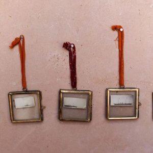 tiny-kiko-frame-carré-laiton