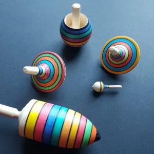 toupie-bois-mader-coffret-apprentissage-multicolore-enfant