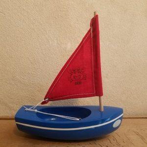bateau-tirot-thonier-modele-200-coque-bleue-voile-rouge