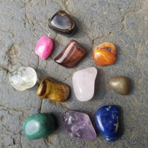 collection-mineraux-enfant-pierres-roulees-montessori-collection-mineraux-enfant-pierres-roulees-lithotherapie
