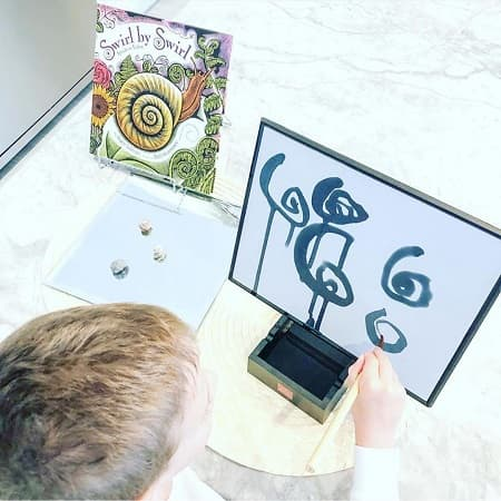 buddha-board-enfant-graphisme-montessori