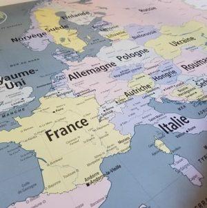 carte-emile-en-ville-affiche-scolaire-vintage-carte-geographie-europe-politique-deco-enfant
