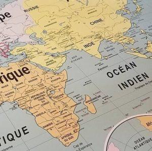 cartes-emile-en-ville-affiche-scolaire-vintage-carte-geographie-monde