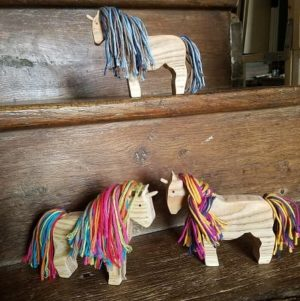 kit-licorne-diy-enfant-si-on-fabriquait-bois-fils-coton-upcycling