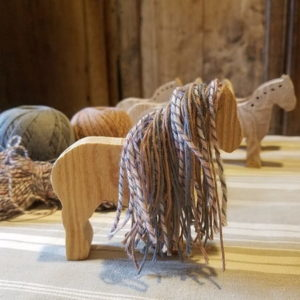 kit-licorne-diy-si-on-fabriquait-bois-laine-upcycling-recup