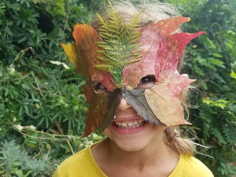 masque-de-feuilles-enfant-bricolage-automne-waldorf