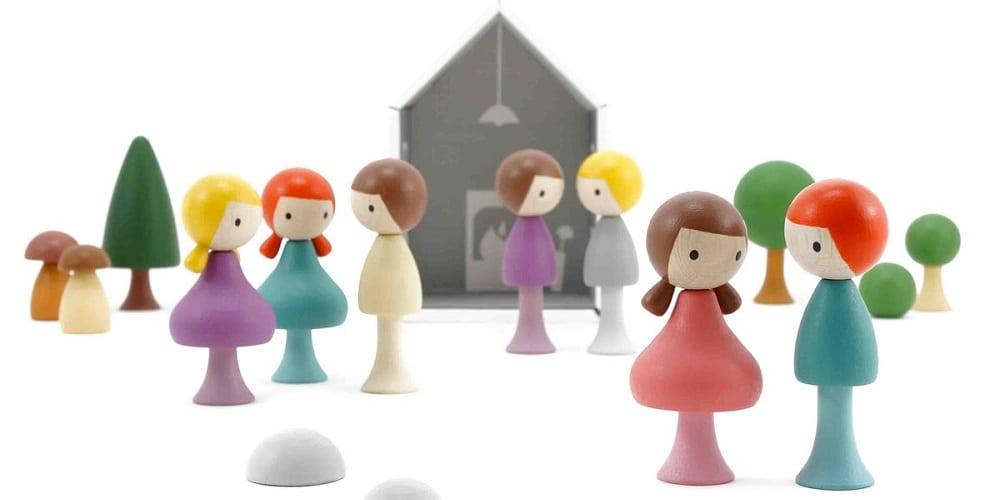 Clicques-figurine-poupée-bois-jeu-libre