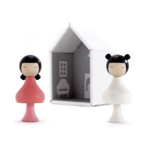clicques-figurine-poupée-en-bois-jouer-sara-ichika