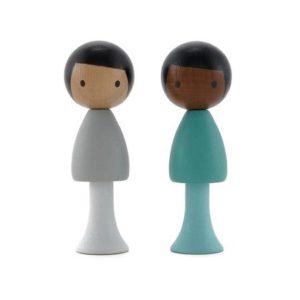 clicques-figurine-poupée-en-bois-sam-justin-jouer