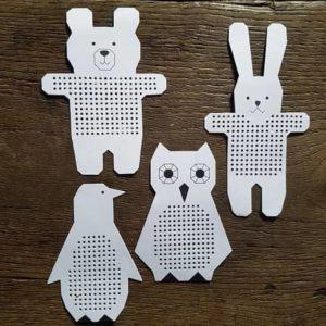 animaux-carton-broderie-enfant-decoration