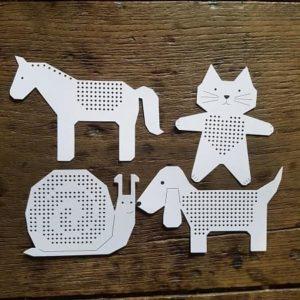 animaux-carton-broderie-enfant-decoration-cheval