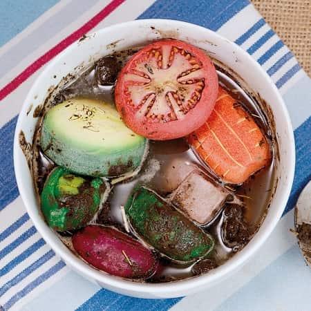 dinette-legumes-cuisine-de-boue-mudkitchen-creche