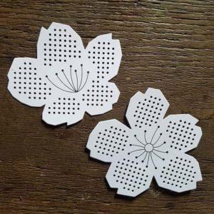 fleur-carton-broderie-enfant-decoration-waldorf