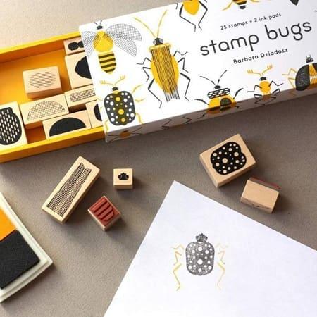 tampon-enfant-bois-insectes-stamps-bugs-princeton-architectural-press-jouer