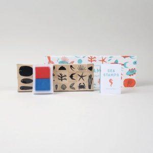 tampon-enfant-bois-sea-stamps- princeton-architectural-press-nature-jouer