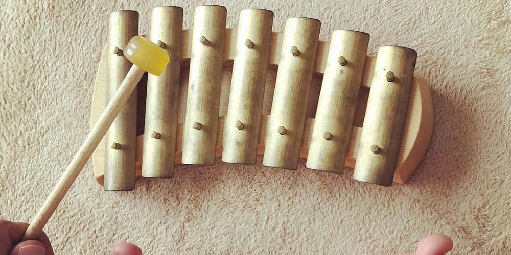 metallonote-auris-musique-enfant-carillon