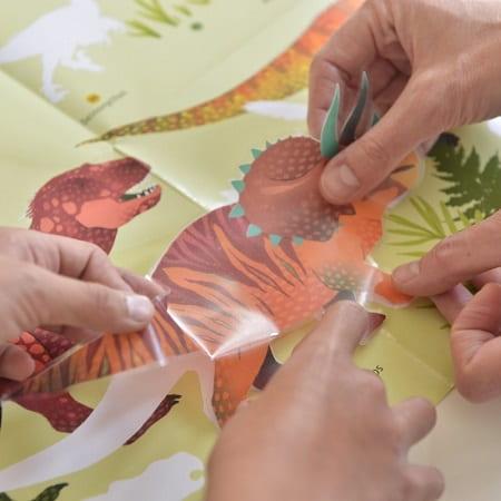poppik-poster-geant-stickers-dinosaures-gommettes-activité-enfant
