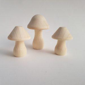 champignon-en-bois-decoration-automne-diy-waldorf