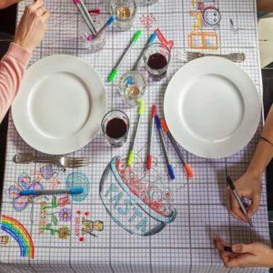 textile-nappe-a-colorier-dessiner-cahier-grille-eatsleepdoodle-fete-anniversaire