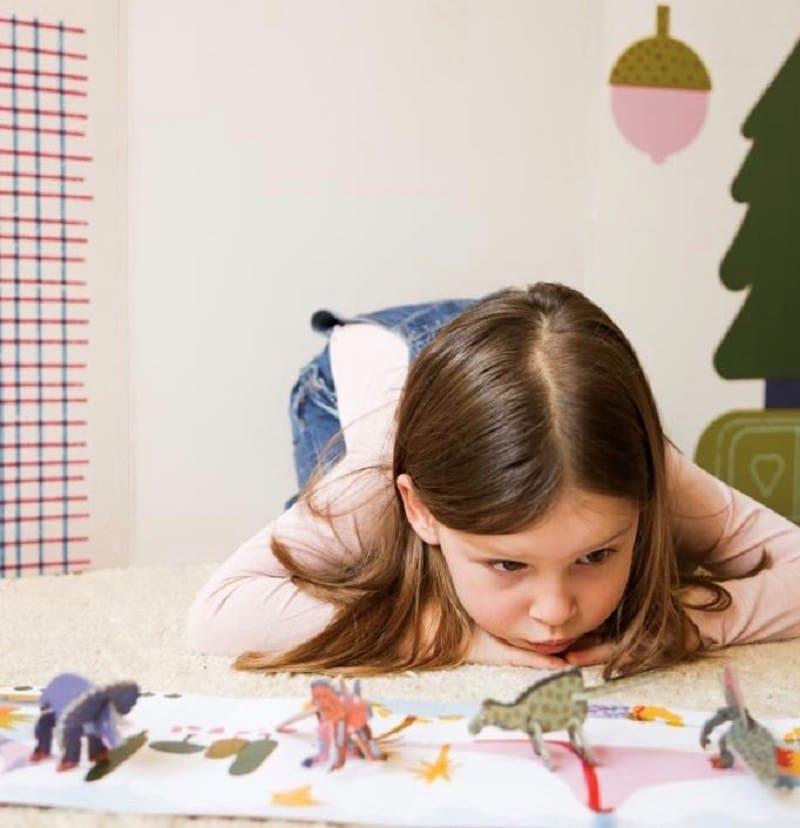 chocolat-bio-enfant-cadeau-surprise-play-in-choc-dinosaure