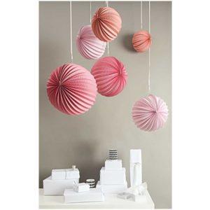 boule-en-papier-suspension-lampion-rose-rico