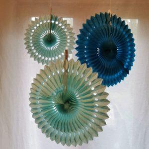 rosace-en-papier-suspension-decoration-rico-design-bleu
