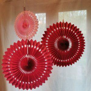 rosace-en-papier-suspension-decoration-rico-design-rouge-rose