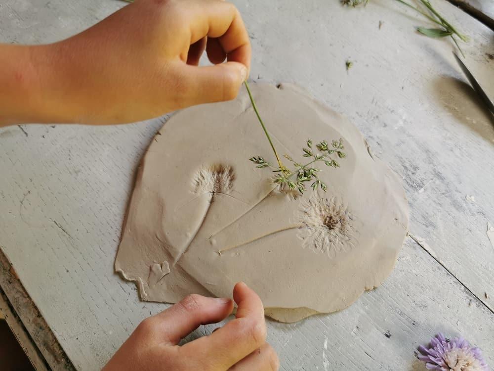 diy-empreinte-vegetale-platre-argile-bricolage-nature