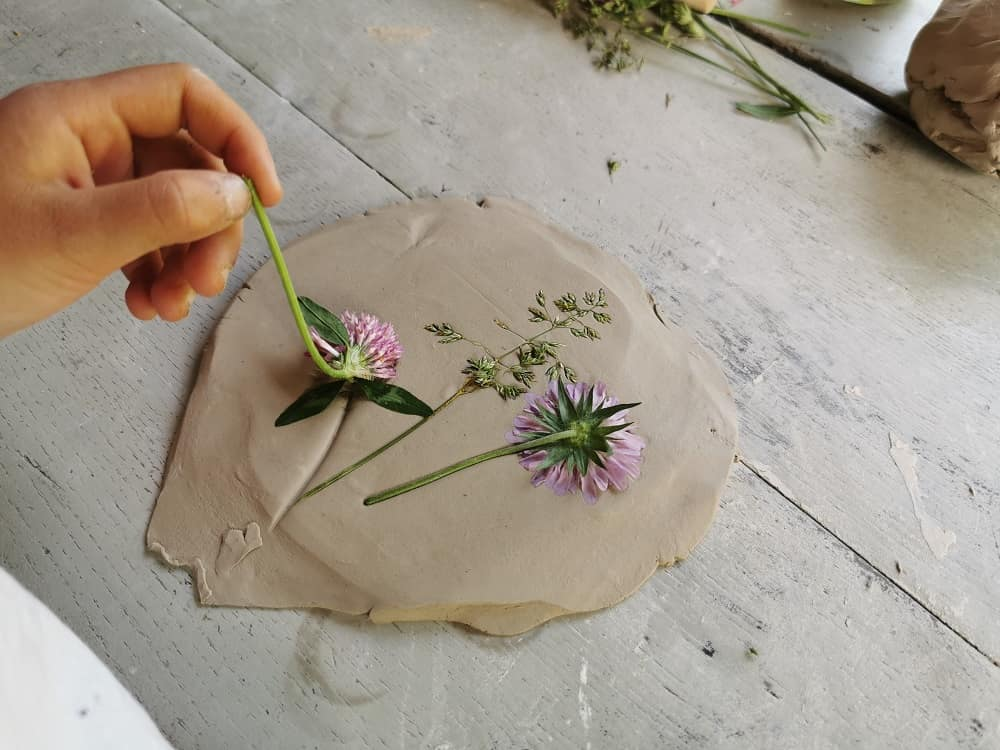 diy-empreinte-vegetale-platre-argile-ecole-nature