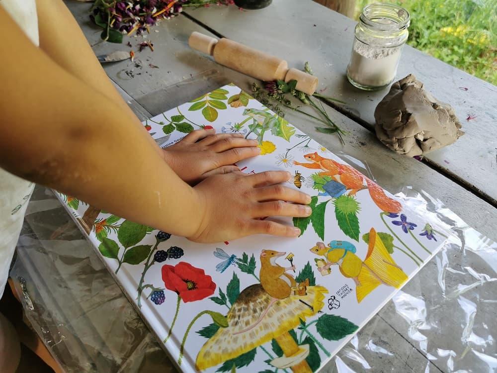 diy-empreinte-vegetale-platre-argile-ecole
