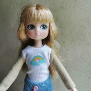 poupée-lottie-mannequin-alternative-barbie-muddy-puddle-jour-de-pluie-enfant