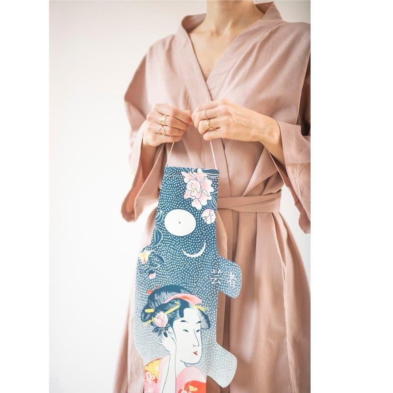 koinobori-madame-mo-coton-bio-tattoo-geisha-taille-s-min